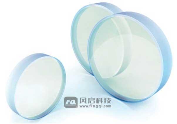 超宽带介质反射镜